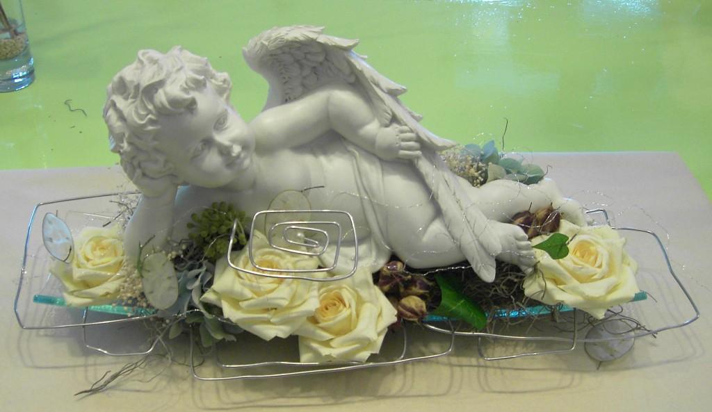 Engel tanzen ideen aus blumen iris puntigam for Raumgestaltung engel